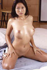 Oiled Thai babe 00