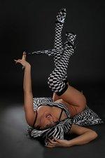 Sarah: Checkered 08