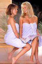Joey & Genesis take a steamy shower 00