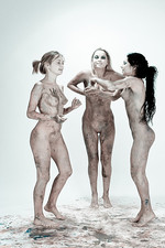 Rima Alla Riyeesa - My three graces 02