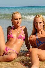 Absolutely perfect bikini models -13