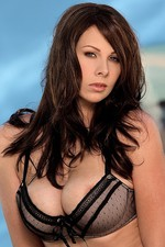 Gianna Michaels tugs at her furry beaver   00