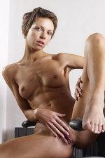 Olena - The aeron chair 14