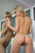 Sexy natural blond teen in the bath 08