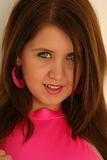 Chrissy Marie peels off her bright pink 01