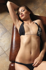 Elvira - Bikini 01