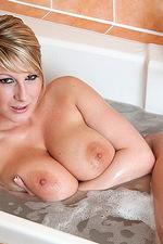 Lexy's great boobies 05