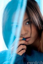Yoko solo, the asian blue angel 04