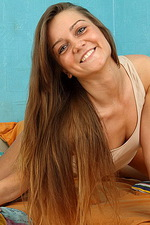 Arina is a lovely teen chick 01