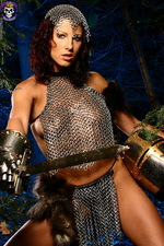 Armed paladin Iveta in hot chainmail 00