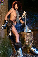 Armed paladin Iveta in hot chainmail 04