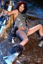 Armed paladin Iveta in hot chainmail 09