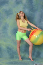 Busty chick in green spandex 00