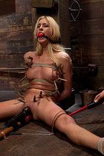 Victoria White , Nika Noire 00
