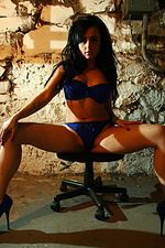 Bella James 05