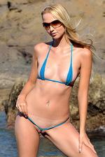 Extreme sling bikini 01