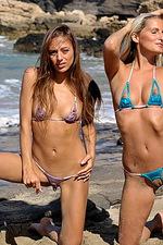 Bikini girls 07