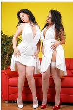 Eve & Gina 00
