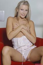 Vanessa nude 05
