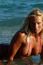 Michelle in a sexy bikini 05