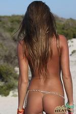 The hottest bikini babe 00