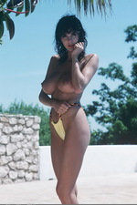 Donna?s Tits are Poolside 00