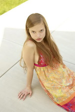 Pretty teen posing 00
