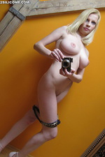 Busty blonde babe selfpics gallery 07