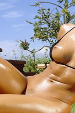 Oiled pussy 07