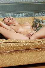 Viviene in Blondea 03
