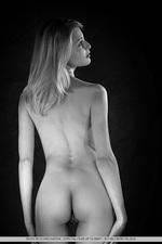 Fresh artistic lady 06