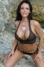 Adriana Striptease  13