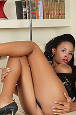 Belinda Sexy black dress 01