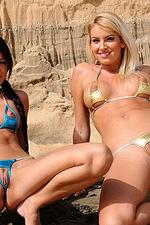 Gorgeous bikini gals 07