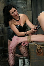 Donna puts and experienced domme 11