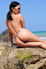 Sexy bikini babe outside 09