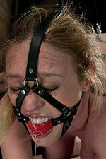 Princess Donna uses Darling as a puppet 09