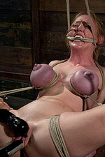 Princess Donna uses Darling as a puppet 13