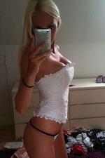Busty amateur gals 03