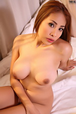 Sexy Asian Victoria looks great 05