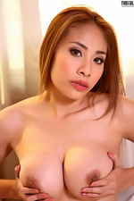 Sexy Asian Victoria looks great 07