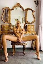 Clara Sweet vanity 10