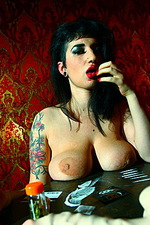 Arabelle Raphael 02
