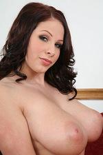 Stunning busty Giana 13