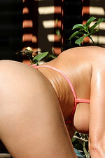 Karina White Peach 03