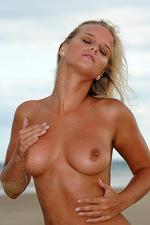 Miela Wide beach 03