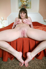 Xena Red bed 05
