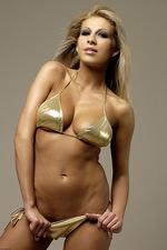 Clara golden  00