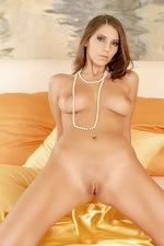 Lizzy Satin  12