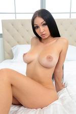 Glamour Latina Chick Cyrstal 23